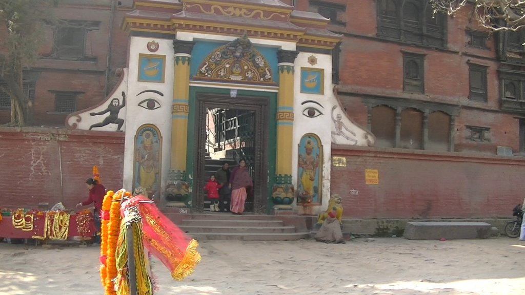 Portal to the Temple Area of Pashupatinath - Highslide JS