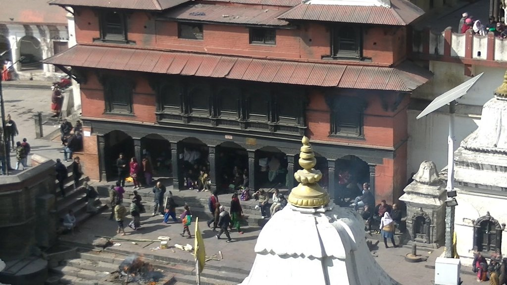 Arya Ghats (cremation platgorms of higher castes) at Pashupatinath - Highslide JS